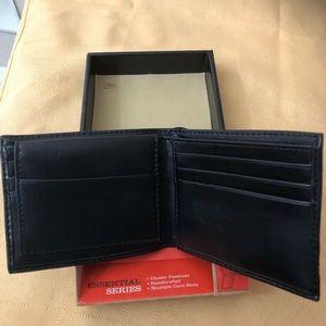 Dockers Bags - Brand New Men's Dockers Wallet